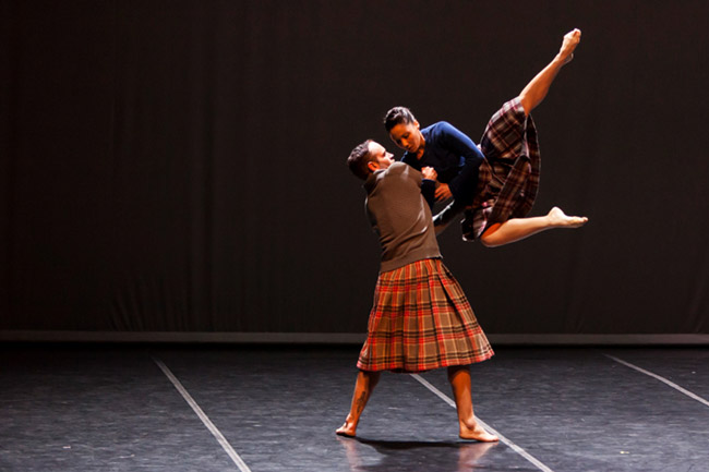 Henk Opperman, Ciarra Barron in the commissioned work Mode by Thalia Laric and Steven van Wyk, pic by Oscar 'O Ryan